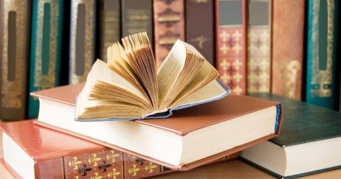 Top 10 Cheap Online Bookstores