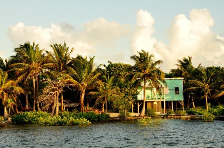 Belize, Santa Familia